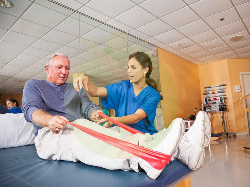 ورزش درمانی و حرکات پویا در کودکان و سالمندان